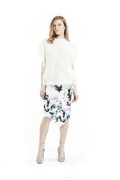 Shop online feminine florals and prints in new shapes. Chic styles for your occasion, day-to-night office wear. Knitted Flowers, Office Wear, Women Wear, Feminine, Child, Boutique, Knitting, My Style, Skirts