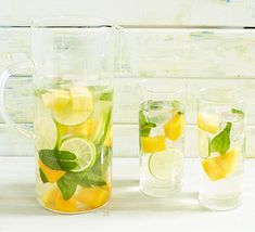 Blend the flavour of green tea with mango, fresh mint, lime and ice to make this. Blend the flavour of green tea with mango, fresh mint, lime and ice to make this iced tea. It makes a wonderfully refreshing summer drink at any time of day Homemade Ice Tea, Fresh Mint Tea, Fresh Green, Mango Iced Tea, National Iced Tea Day, Iced Tea Recipes, Juice Recipes, Refreshing Summer Drinks, Mango Syrup