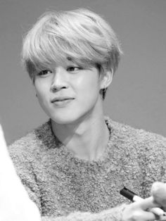KPOP in Black and white