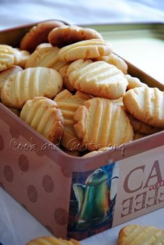Almond powder shortbread - Cook and Goût - Trend Christmas Cake 2019 Desserts With Biscuits, No Cook Desserts, Cookie Desserts, Cookie Recipes, Dessert Recipes, Biscuit Cake, Biscuit Cookies, Shortbread, Yummy Food