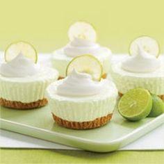 No-Bake Key Lime Cream Cakes. MIni cakes. Recipe  Mini cheese cake al lime e limone con panna. Ricetta.