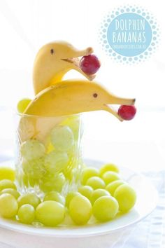 Healthy Snacks Recipes - Dolphin Bananas Fruit Cups - perfect for after school o. Healthy Snacks Recipes - Dolphin Bananas Fruit Cups - perfect for after school or before a workout - Recipe via One Handed Cooks Food Art For Kids, Cute Food Art, Creative Food Art, Fun Food For Kids, Cooking For Kids, Easy Food Art, Kids Cooking Party, Kids Food Crafts, Amazing Food Art