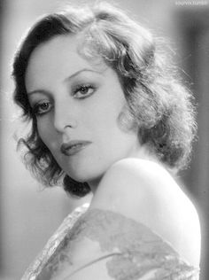 Joan Crawford in Our Blushing Brides, 1930. i have never seen this pics before, not Joans best portraits.