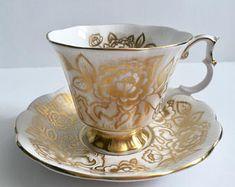 Beautiful Royal Albert China Tea cup and Saucer Teacup Set