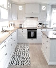 Love the subway tiles and all white. Black knobs instead of silver, maybe black . Love the subway tiles and all white. Black knobs instead of silver, maybe black faucet. Couple all glass cabinet doors. Grey and white marble counter tops Kitchen Room Design, Home Decor Kitchen, Kitchen Interior, New Kitchen, Home Kitchens, Kitchen Ideas, Küchen Design, House Design, Design Ideas