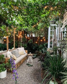 Home Decoration Livingroom small patio ideas.Home Decoration Livingroom small patio ideas Outdoor Lounge, Outdoor Living, Outdoor Decor, Small Outdoor Spaces, Small Spaces, English Cottage, Garden Shower, Boutique Interior, Back Patio
