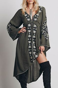 Plunging Neck Embroidered High-Waisted Dress #Unique_Boho_Style