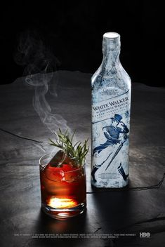 White Walker by Johnnie Walker oz. smoked cinnamon syrup 2 dashes of Dram Palo Santo Bitters 1 dash Angostura 1 Game Of Thrones Drink, Game Of Thrones Cocktails, Game Of Thrones Party, Tequila, Pear Brandy, Cocktail Names, Cinnamon Syrup, Blue Curacao, Ale