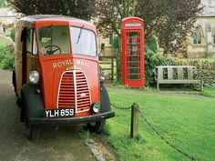 European photo of Royal Mail truck in Snowshill(Cotswolds), England by Dennis Barloga Village Fete, English Village, Telephone Booth, English Countryside, Countryside Village, Vintage Trucks, Vintage Vans, Commercial Vehicle, England Uk