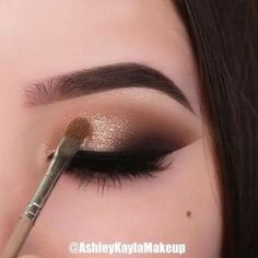May your day be as flawless as her eye makeup looks ? May your day be as flawless as her eye makeup looks ? Smoke Eye Makeup, Makeup Eye Looks, Eye Makeup Steps, Beautiful Eye Makeup, Makeup Eyeshadow, Eyeshadow Makeup Tutorial, Gold Eyeshadow Looks, Eyebrow Makeup Tips, Stunning Eyes