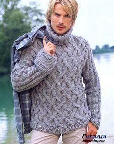 Мужской пуловер с косами вязаный спицами