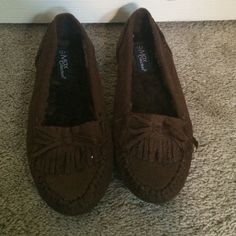 New brown Moccasins New brown moccasins. Bought them and forgot to wear them. Never worn. Shoes Moccasins
