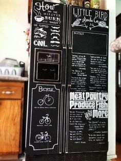 Chalkboard paint + chalk markers = hipster refrigerator I it! Refrigerator Makeover, Paint Refrigerator, Painted Fridge, Refrigerator Covers, Chalkboard Fridge, Diy Chalkboard, Black Chalkboard, Chalkboard Designs, Diy Kitchen