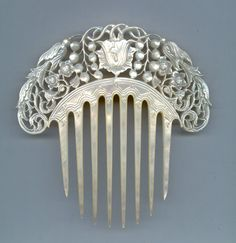 Mother of pearl Victorian hair comb