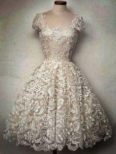 Vintage Scoop Collar Short Sleeve Pure Color Cut Out Lace Women's Dress