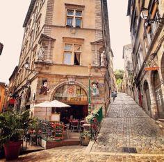 "latouchefr: "" Vieux Lyon. https://instagram.com/p/_CJONPvKpH/ """