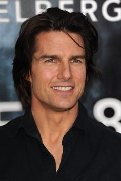 Tom Cruise at an event for Super 8 Amanda Seyfried, Logan Lerman, Tom Cruise Haircut, Ton Cruise, Hair And Beard Styles, Long Hair Styles, Hollywood Actor, My Guy, Actor