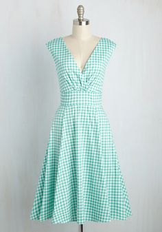 Throwback Mastery Dress. You excel at skills across the spectrum, but its this gingham dress that certifies you as a retro pro! #green #modcloth