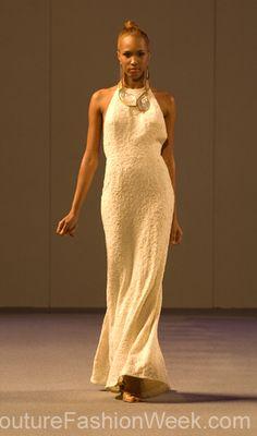 #moteuke #couture #stil #design #modell #kvinne #mote #fashion #2013 #josephdomingo #hvit #fotsid #kjole #smykke
