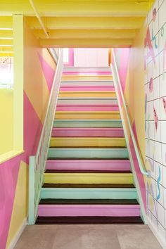 statement staircase ideas//pastel pink, green, and yellow painted stairs Interior Design Tips, Interior Design Inspiration, Color Inspiration, Cafe Interior, Wall Design, House Design, Shotting Photo, Nyc Studio, Small Studio