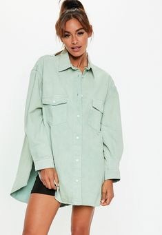 Sage denim super oversized boyfriend shirt in 2019 Boyfriend Shirt Outfits, Oversized Denim Shirt, Fashion Desinger, Fall Outfits, Fashion Outfits, Denim Outfit, Petite Fashion, Missguided, Casual Tops