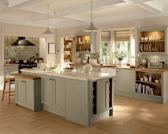 Tewkesbury Skye - Tewkesbury - Kitchen Families - Kitchen Collection - Howdens Joinery NOT GREEN Barn Kitchen, Rustic Kitchen Design, Kitchen Family Rooms, Shaker Kitchen, Open Plan Kitchen, Kitchen Layout, Kitchen Living, Country Kitchen, New Kitchen