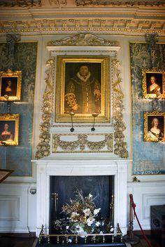 Castle in - vacationtravelogu. We guarantee the best price Castles Warwick Castle Edinburgh Castle, Scotland So. Palaces, Warwick Castle, Palace Interior, Tudor Era, Castles In England, English Castles, Famous Castles, Grand Homes, Beautiful Castles