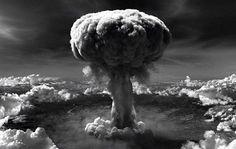 Un grupo que representa a sobrevivientes de las bombas atómicas de Japón pidió al presidente de Estados Unidos, Barack Obama, que escuche sus historias y pida disculpas