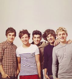 oh my goshh. this many good looking people in one picture should be illegal. <3
