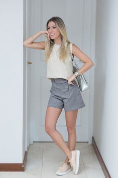 Nati Vozza do Blog de Moda Glam4You usa look neutro perfeito para o dia a dia.