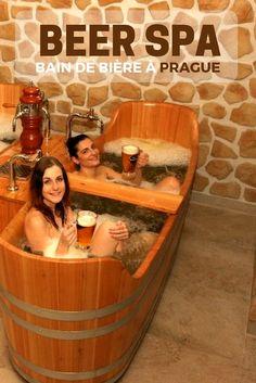 Relaxez-vous tout en profitant de bonnes bières dans un Beer Spa de Prague ! #bière #beerspa #prague