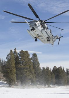 Vehicles in the snow…part 3 HQ Photos) Military Helicopter, Military Aircraft, Fighter Aircraft, Fighter Jets, Advanced Warfare, Marine Corps, Choppers, Usmc, Planes