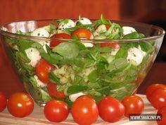 Lekka sałatka z roszponką, pomidorkami i mozzarellą