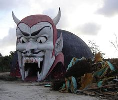 Abandoned Amusement Park pics......Dante's Inferno ride at Miracle Strip Amusement Park