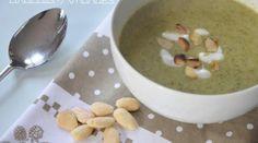 Mange ta soupe {brocolis ✩ amandes} Veggie Recipes, Healthy Recipes, Lchf, Soul Food, Entrees, Oatmeal, Food Porn, Veggies, Pudding