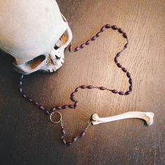 FOXY Rosary - ooak, fox bone, vintage beads, rosary - door thenumberthirteen op Etsy https://www.etsy.com/nl/listing/247721099/foxy-rosary-ooak-fox-bone-vintage-beads