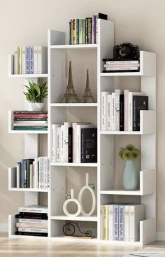 Here are the best teen bedroom organizers for any tidying and decluttering home . - Here are the best teen bedroom organizers for any tidying and decluttering home projects. Diy Bedroom Organization For Teens, Bookshelf Organization, Bookshelf Design, Bookshelf Ideas, Bookcase Decorating, Decorating Ideas, Book Shelves, Tree Bookshelf, Decor Ideas