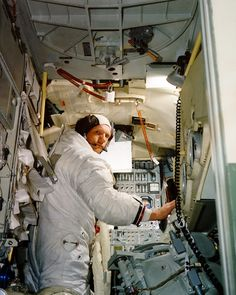 """Neil Armstrong inside the LEM """"Eagle"""" July 1969 Nasa Missions, Moon Missions, Apollo Missions, Space Shuttle, Space And Astronomy, Nasa Space, Programa Apollo, Lunar Lander, Apollo 11 Moon Landing"""