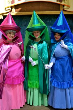 fairy godmothers disneyland kesley low me you and ali obvi much Purim Costumes, Clever Halloween Costumes, Disney Costumes, Halloween Cosplay, Cool Costumes, Cosplay Costumes, Costume Ideas, Sleeping Beauty Fairies, Disney Sleeping Beauty