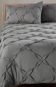 Getting out of bed, as if the struggle wasn't already real, this Nordstrom at Home 'Trellis' duvet cover is everything! Handmade Bed Sheets, Diy Bed Sheets, King Size Bed Sheets, King Bedding Sets, Bed Sheet Sets, Gray Bedroom, Trendy Bedroom, Bedroom Bed, Bedroom Decor