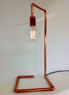 Pipe Lighting, Copper Lighting, Cool Lighting, Rustic Light Bulbs, Rustic Lamps, Copper Decor, Copper Lamps, Lampe Metal, Wooden Lamp