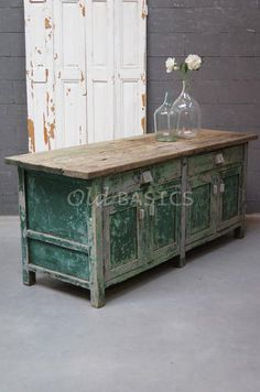 Green Furniture, Funky Furniture, Repurposed Furniture, Painted Furniture, French Industrial, Vintage Industrial Decor, Farmhouse Kitchen Decor, Furniture Inspiration, Home Living Room