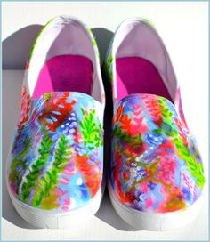 Womens Canvas Slip ons, Womens Painted Shoes, Lilly Pulitzer Style Shoes, Custom Painted Shoes, Size 7