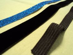 Instructions for making a no slip headband using velvet.  Would love to make some of these out of leather