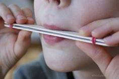 Piszczałka- prosty instrument muzyczny dla dzieci