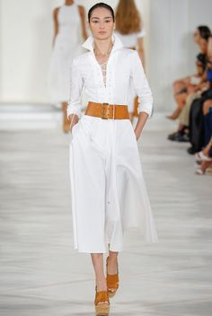 Spring Look Picture Description All white and leather RL does it again https://looks.tn/season/spring/spring-look-all-white-and-leather-rl-does-it-again/