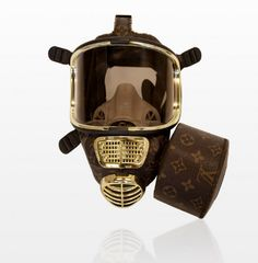 Louis Vuitton couture gas mask by conceptual artist Diddo parodies Modern Consumerism - maschere a gas griffate per respirare fashion - Carefully selected by GORGONIA www. Famous Brands, Looks Cool, Mask Design, Louis Vuitton Monogram, Just In Case, Montana, Retro, High Fashion, Green Fashion