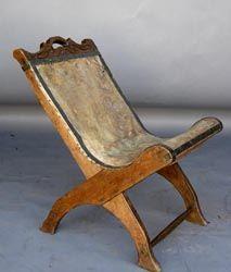#43-117 Antique leather butaca - chair - Guatemala 17.5x27x26H