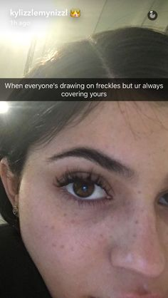 Kylie Jenner's Makeup Free Selfie reveals a feature we've always forgotten - Isr. Kylie Jenner's M Kylie Jenner Snapchat, Outfit Kylie Jenner, Ropa Kylie Jenner, Kylie Jenner Makeup, Kendall And Kylie Jenner, Kylie Kardashian, Kylie Jenner Freckles, Maquillage Kylie Jenner, Kylie Jenner Eyelashes