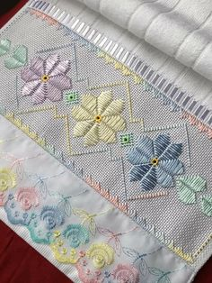 Hand Embroidery Art, Embroidery Stitches Tutorial, Hardanger Embroidery, Types Of Embroidery, Embroidery Designs, Cross Stitch Designs, Cross Stitch Patterns, Chicken Scratch Patterns, Cross Stitch Sea